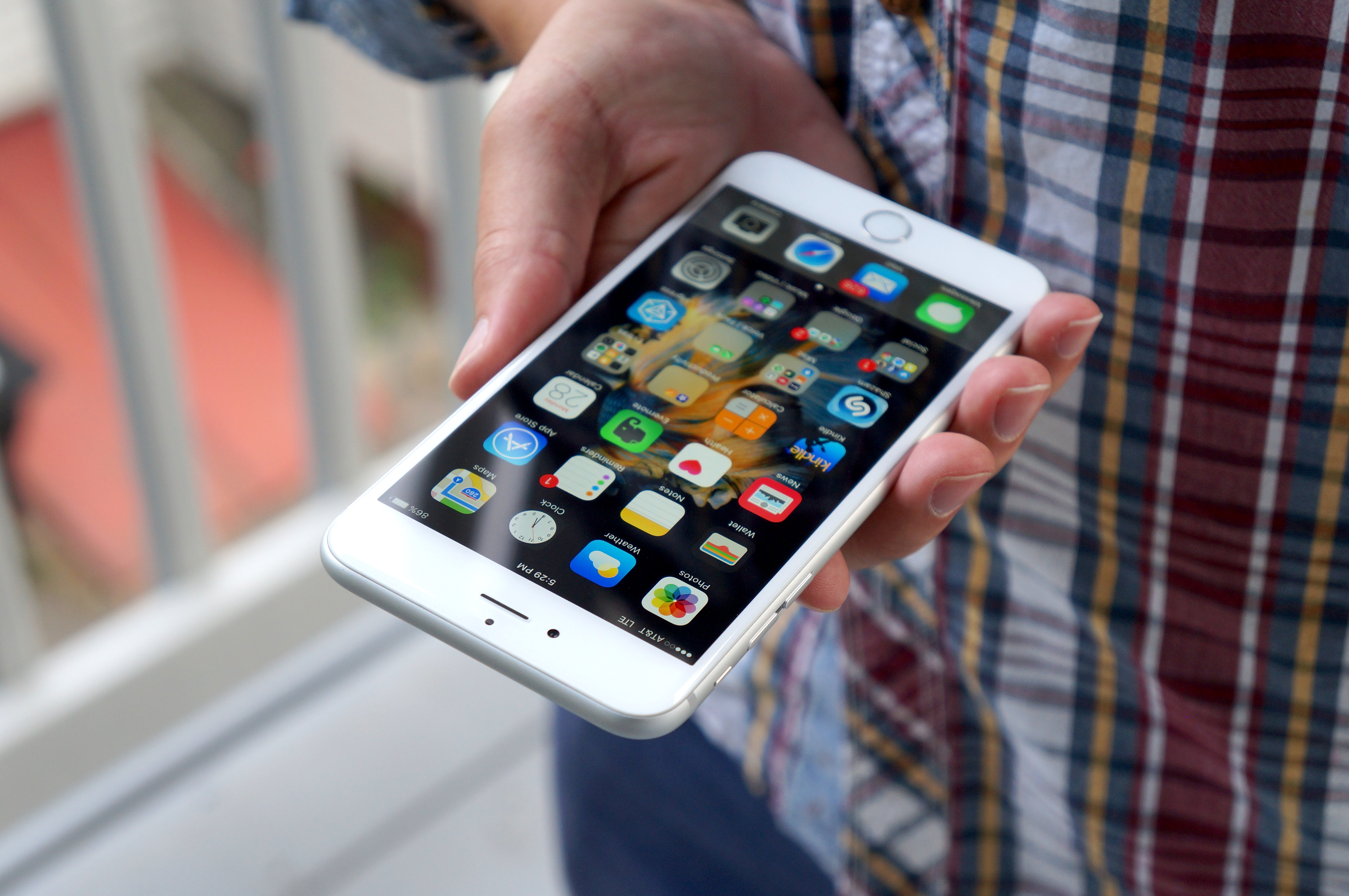 Apple iPhone 6S Impressions from an Android Apple iPhone 6 Plus - Android Authority
